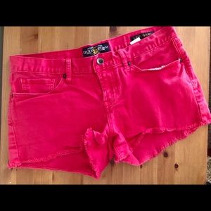 Lucky brand Riley red short cut off size 6/28